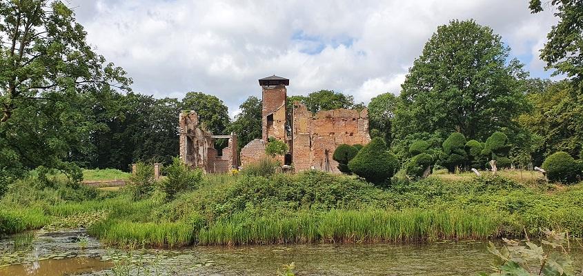 Wandeling over Trage Tocht Afferden bij kasteel Bleijenbeek
