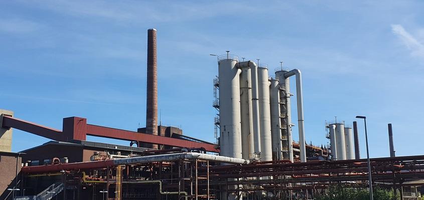 Wandeling over kolenpad bij Zeche Zollverein in het Rurhgebied