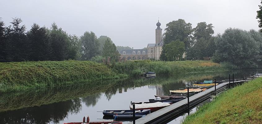 Wandeling van Vught naar Den Bosch van de Paadjesmakers bij kasteel Herlaer