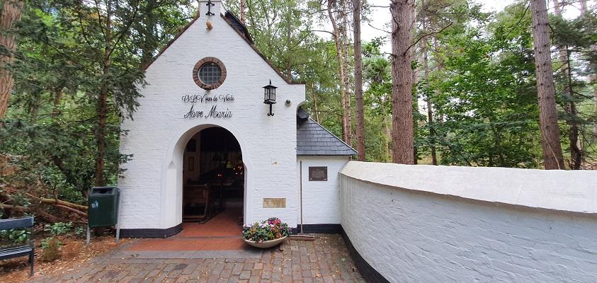 Wandeling naar het geografisch middelpunt bij de Kapel van O.L. Vrede