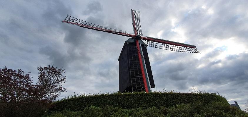 Wandeling over het Grenslandpad van Kloosterzande naar Terneuzen bij molen De Kloosterzande