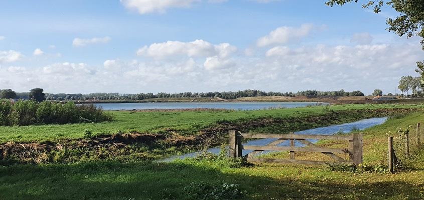 Wandeling over Klompenpad Ambts- en Rijkspad bij zandwinning