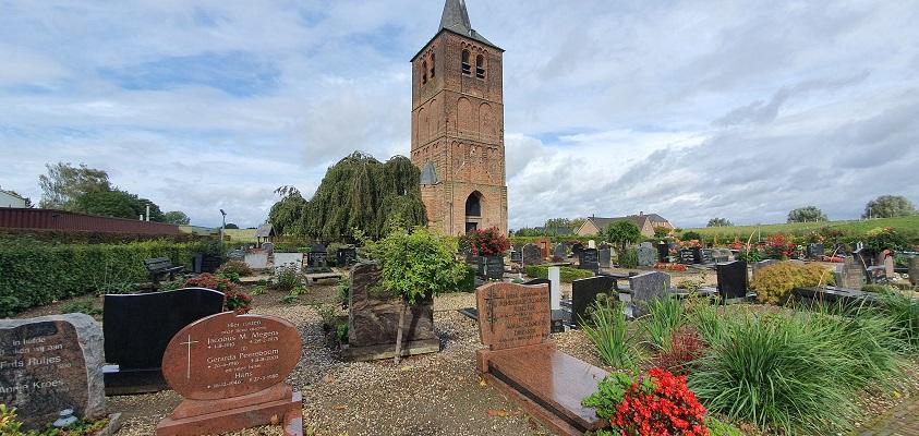 Wandeling over Klompenpad Ambts- en Rijkspad in Winssen bij de Oude Kerktoren