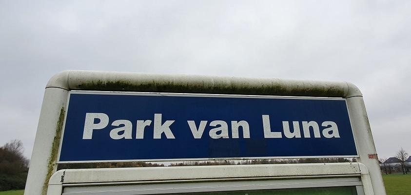 Wandeling over Westfriese Omringdijk van Ursem naar Alkmaar in Park van Luna