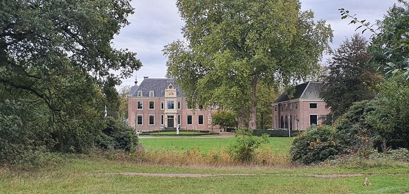 Wandeling van Doetinchem naar Ruurlo over het Achterhoekpad bij de oud spoortrac bij kasteel Ruurlo