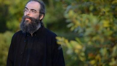 Photo of Πατήρ Ανδρέας Κονάνος: «Είδα κι έναν άλλο άθεο που κρατούσε συντροφιά σ' ένα παιδάκι με λευχαιμία»