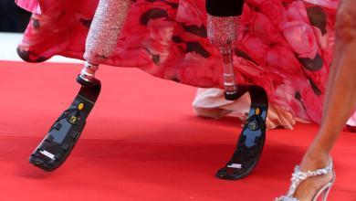 Photo of Μια παραολυμπιονίκης κλέβει την παράσταση στο κόκκινο χαλί