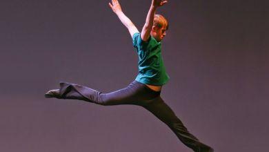 Photo of Ένα αγόρι με σύνδρομο Down μαγεύει τον πλανήτη με τον χορό του (video)
