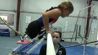 Photo of Οκτάχρονο κορίτσι χωρίς πόδια ακολουθεί το όνειρό του και γίνεται αθλήτρια γυμναστικής