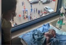 Photo of Έκρηξη στη Βηρυτό: Έγκυος ετοιμάζεται να γεννήσει τη στιγμή της έκρηξης