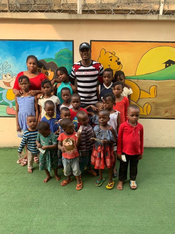Odion Ighalo Spends Time With Homeless Kids At His Orphange (5)