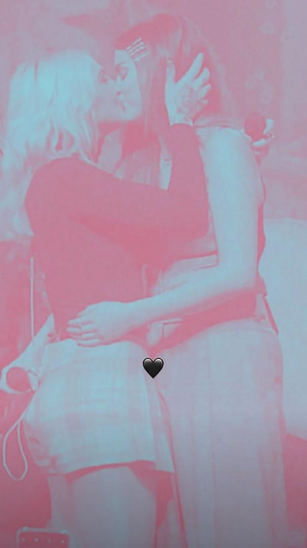 Selena Gomez Julia Michaels Kiss Matching Arrow Tattoos (2)