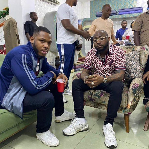 Frodd And Davido Pose Together Abuja Meet And Greet (2)