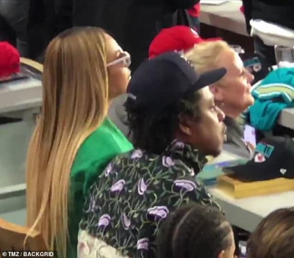 Jay-Z And Beyonce Sat During Super Bowl National Anthem (2)