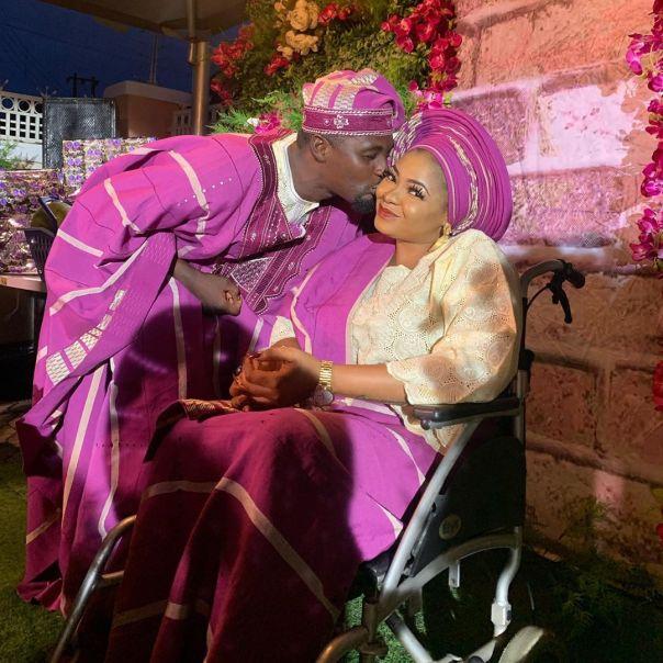Adeniyi Johnson Kisses Funmi Awelewa Kini Obinrin fe The Movie (2)