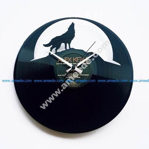 Wolf Moon Wall Clock lupo