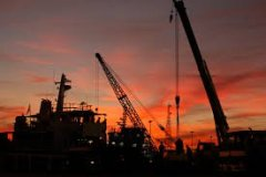 Oil price sinks on rising crude, gasoline inventory