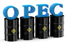 Oil Price Moves to $37 after Russia's Signal on OPEC Talks