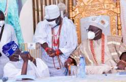 Outrage as Tinubu refuses to pay homage to Ooni of Ife at public gathering