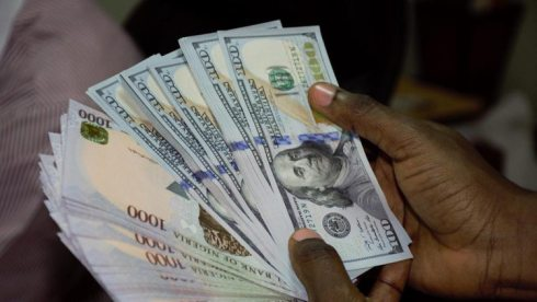 Naira Records Moderate Gain as Foreign Reserves Rise for 6-Week