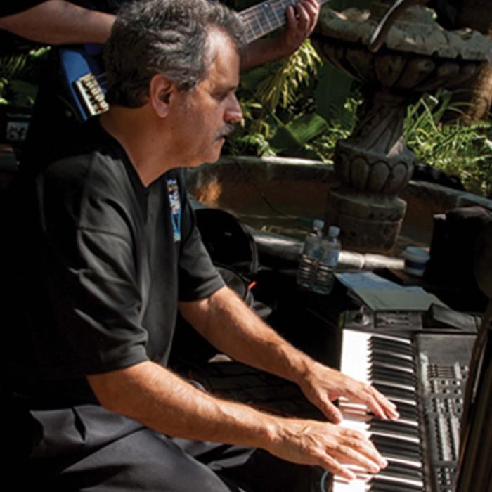 Mike Levine - Piano
