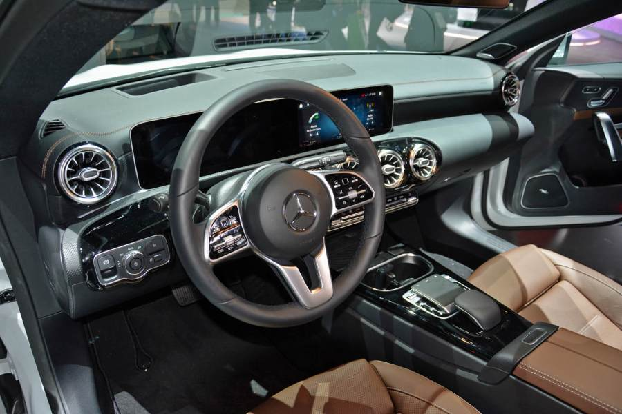 mercedes benz cla dashboard