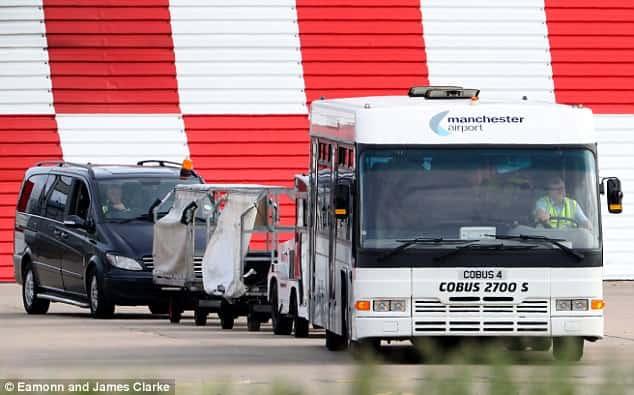 Super Cup - Manchester United Team Travel via shuttle bus [AmenRadio.net]
