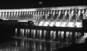 lightshow in itaipu waterworld @America.de