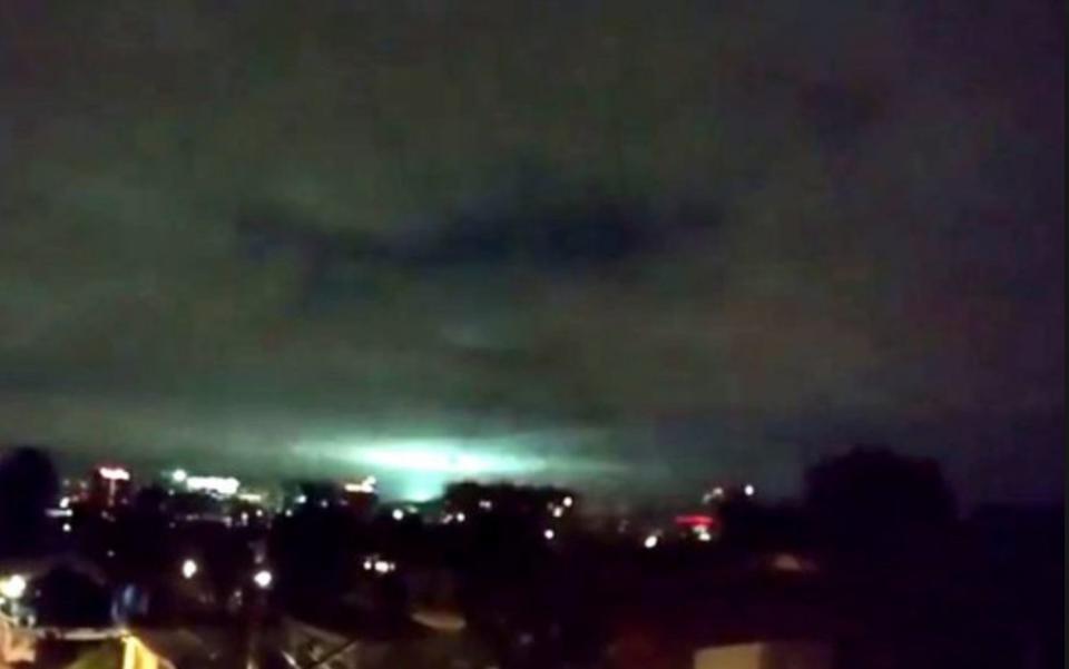 earthquake-light-mexico