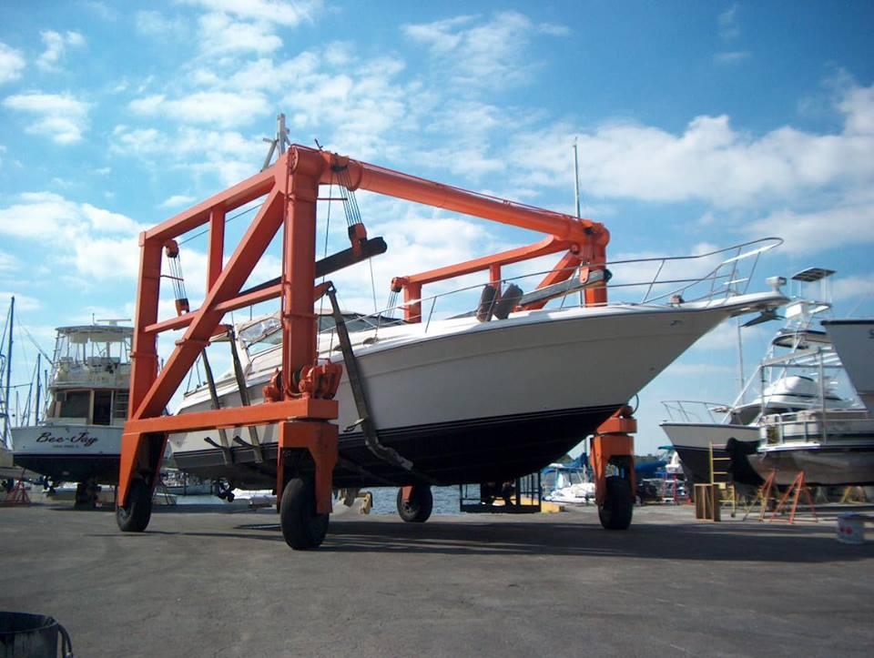 Fiberglass repair-Yacht Service Tarpon Springs. Boat Yard Tarpon Springs, Marina Tarpon Springs
