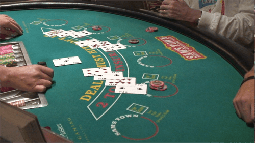 how to play blackjack: table layout