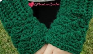 Thermal Fingerless Gloves | American Crochet @americancrochet.com #crochetpattern