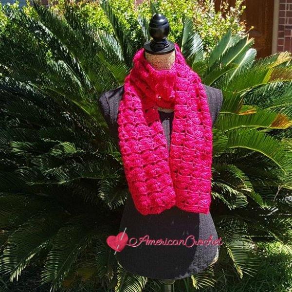Bungalow Scarf | Crochet Pattern | American Crochet @americancrochet.com #crochetpattern