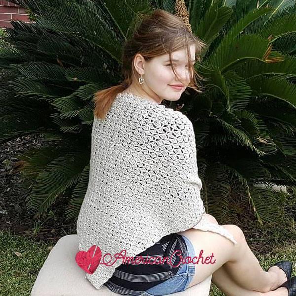 Vintage Linen Shawl | Free Crochet Pattern | American Crochet @americancrochetcom #freecrochetpatternl