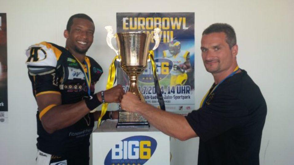 DariusOutlaw&Trophy