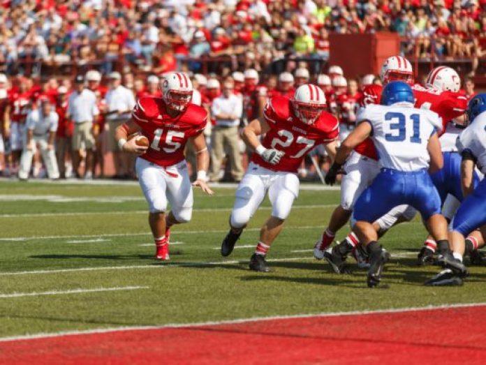 Central College--Pella, Iowa. Central College Football vs University of Dubuque. Photo by Dan L. Vander Beek