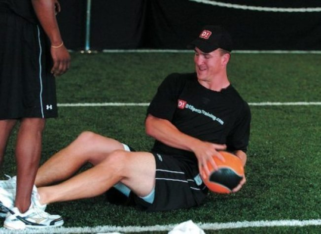 USA Football - 15 exercises - russian ball twist