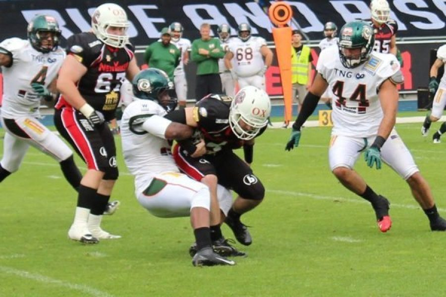 Germany - Braunschweig-Kiel 2016 action - game 2 - LeBeau tackle - Michael Zelter photo