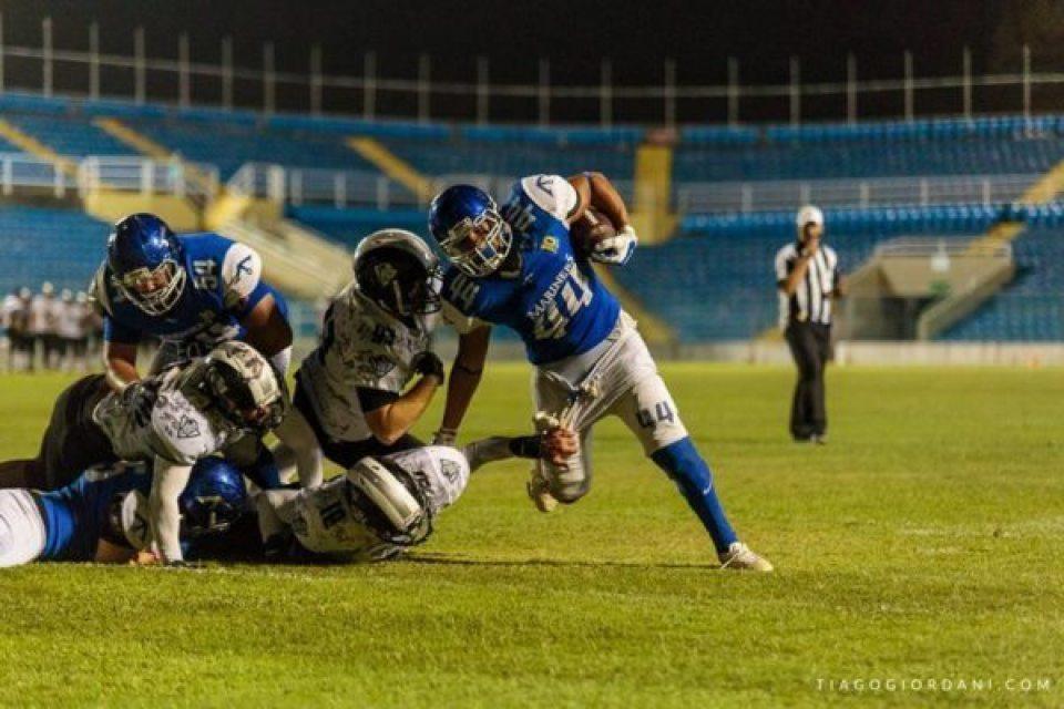 above: Lucas Adolfo, running back, Recife Mariners. Photo Credit: https://www.facebook.com/TiagoGiordaniphoto/