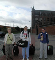 Some American pipers sadly leave the international course in Mechelen.