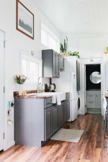 Golden-Kitchen-Counter