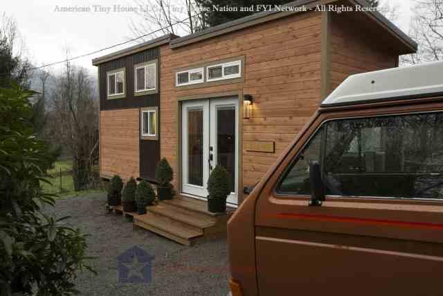 314_Romantic_Abode - Everett - American Tiny House - Tiny House Nation