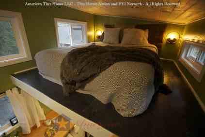 Bedroom - Everett American Tiny House - Tiny House Nation