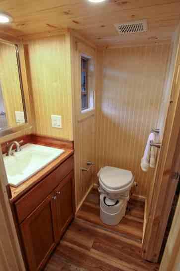 Houston-Pic12-Interor-Bathroom