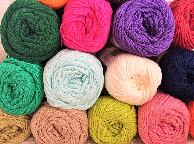 many kinds of yarn and wool
