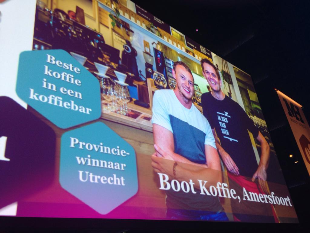 Boot winnaars koffie bieten