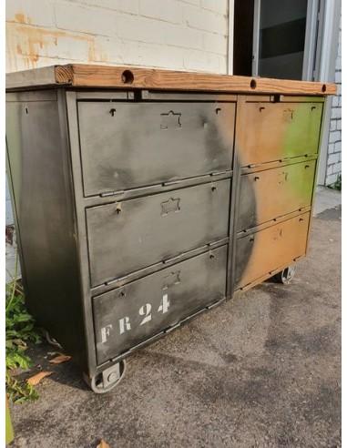 ancien meuble militaire en metal a six clapets mobilier industriel nord