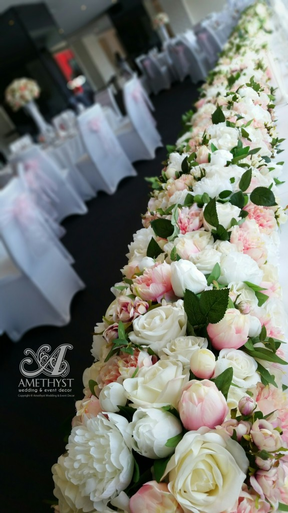 pink-white-roses-peonies-floral-runner