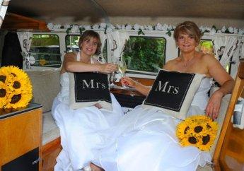 Nat & Chumps at Meon Valley Hotel - surprise camper van transport