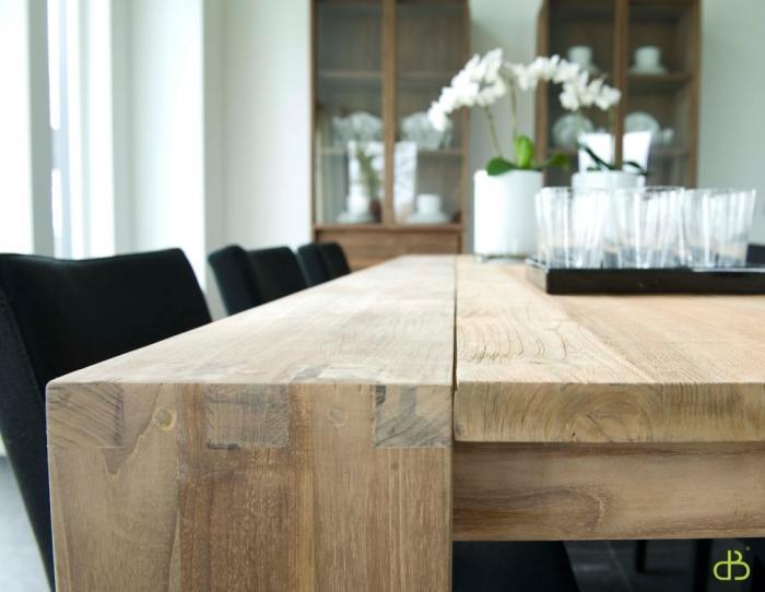 table a manger en bois massif en bois